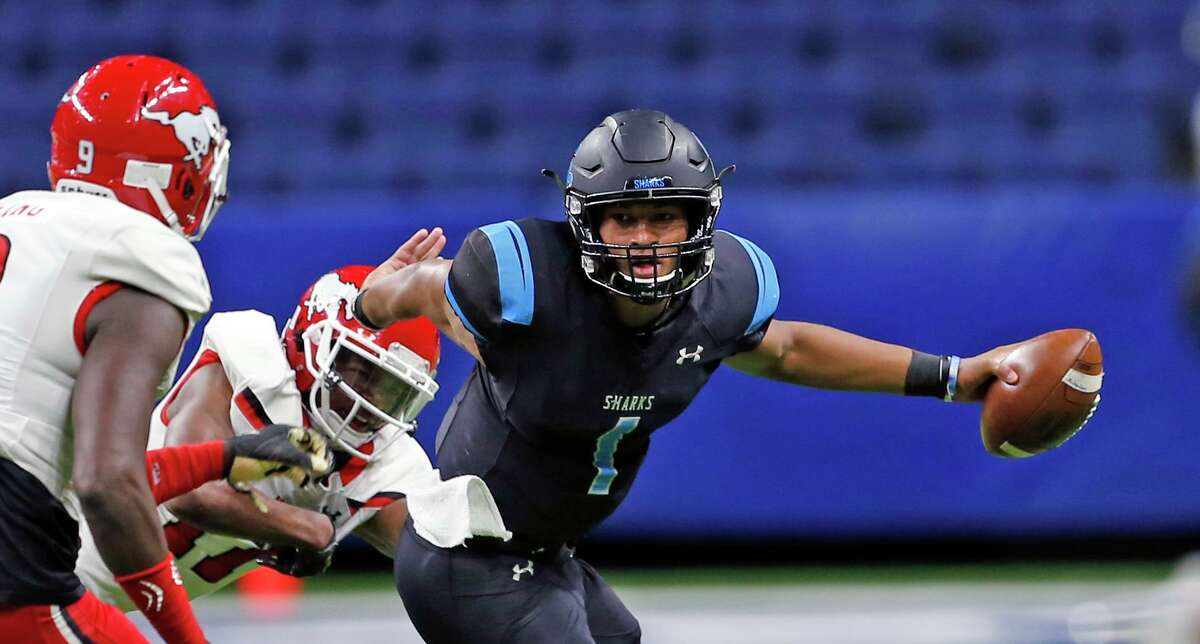 Shadow Creek quarterback Kyron Drones will get to face Dematrius Davis and North Shore this season.