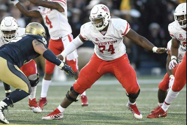 Josh Jones, the former UH tackle, has been training in Dallas to get ready for rookie season with Arizona Cardinals.
