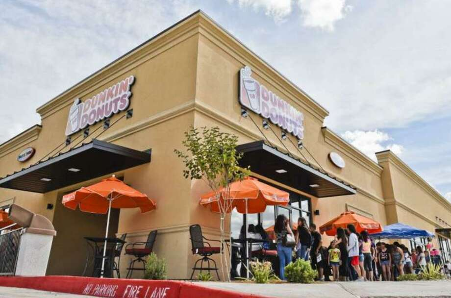 Laredoans formed a line outside Dunkin' Donuts on June 16, 2015 as it opened its doors to the public for the first time. Photo: Laredo Morning Times File