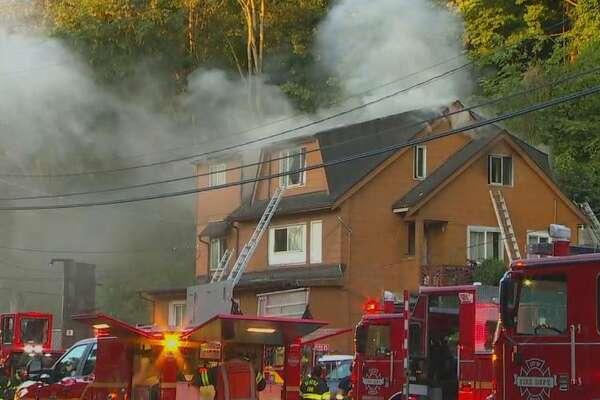 Fire burns building in Aurora Ave.