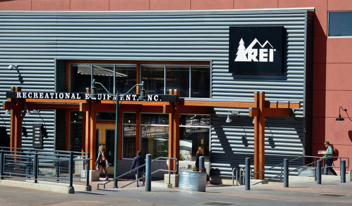 REI to lay off 400 retail employees nationwide amid COVID-19 pandemic After eliminating a quarter of roles at its Kent headquarters in April, the popular outdoor retailer REI has announced more layoffs amid the COVID-19 pandemic. The company will reportedly let go off 400 retail employees across its 162 stores nationwide this week.