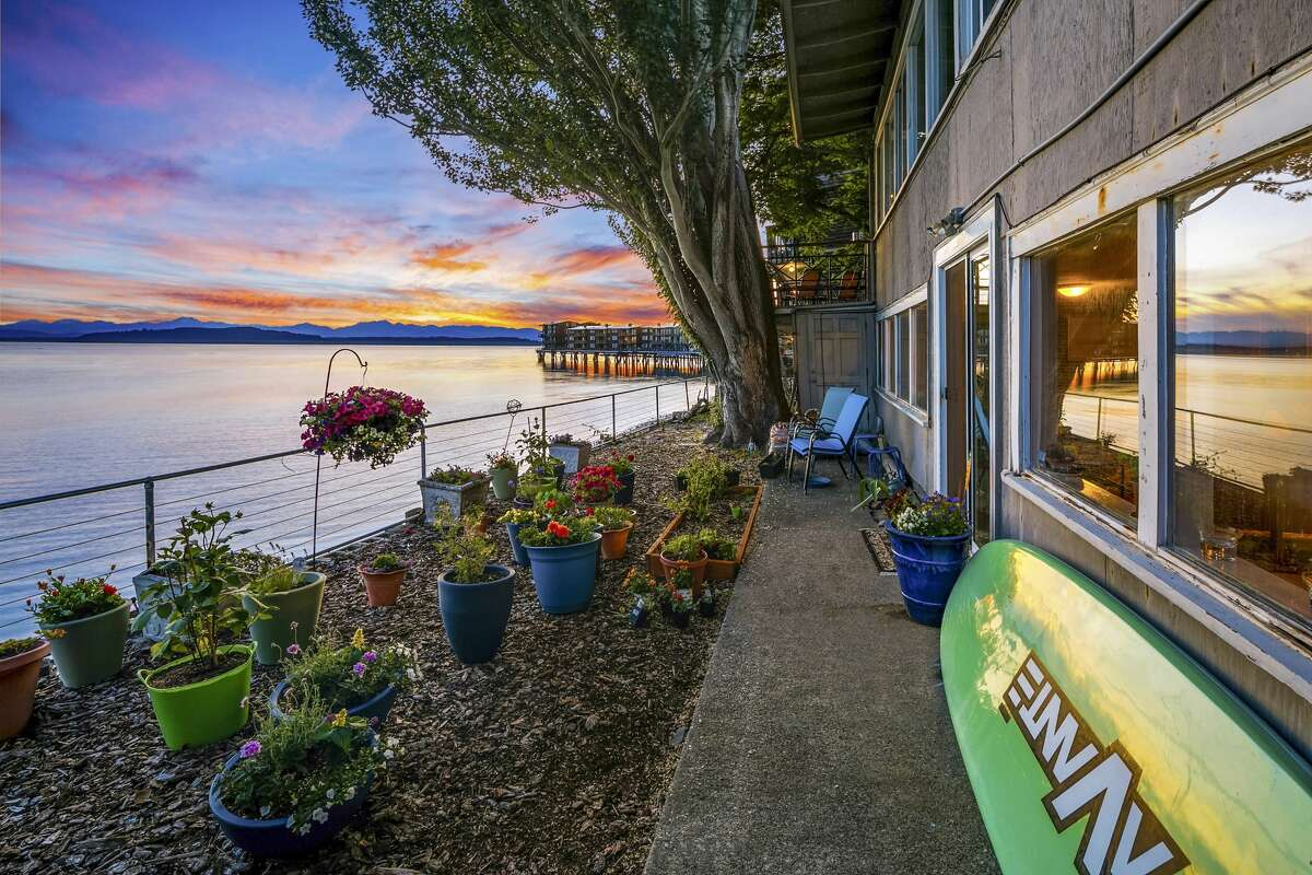 The property is located less than a mile from Seattle's scenic and historic Alki Point, and less than two miles from the West Seattle Junction. Residents have access to Seattle by road and foot ferry.