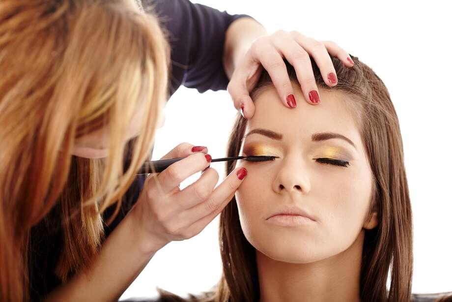 Preparing your skin for makeup application Photo: Mekari Hair & Makeup Studio