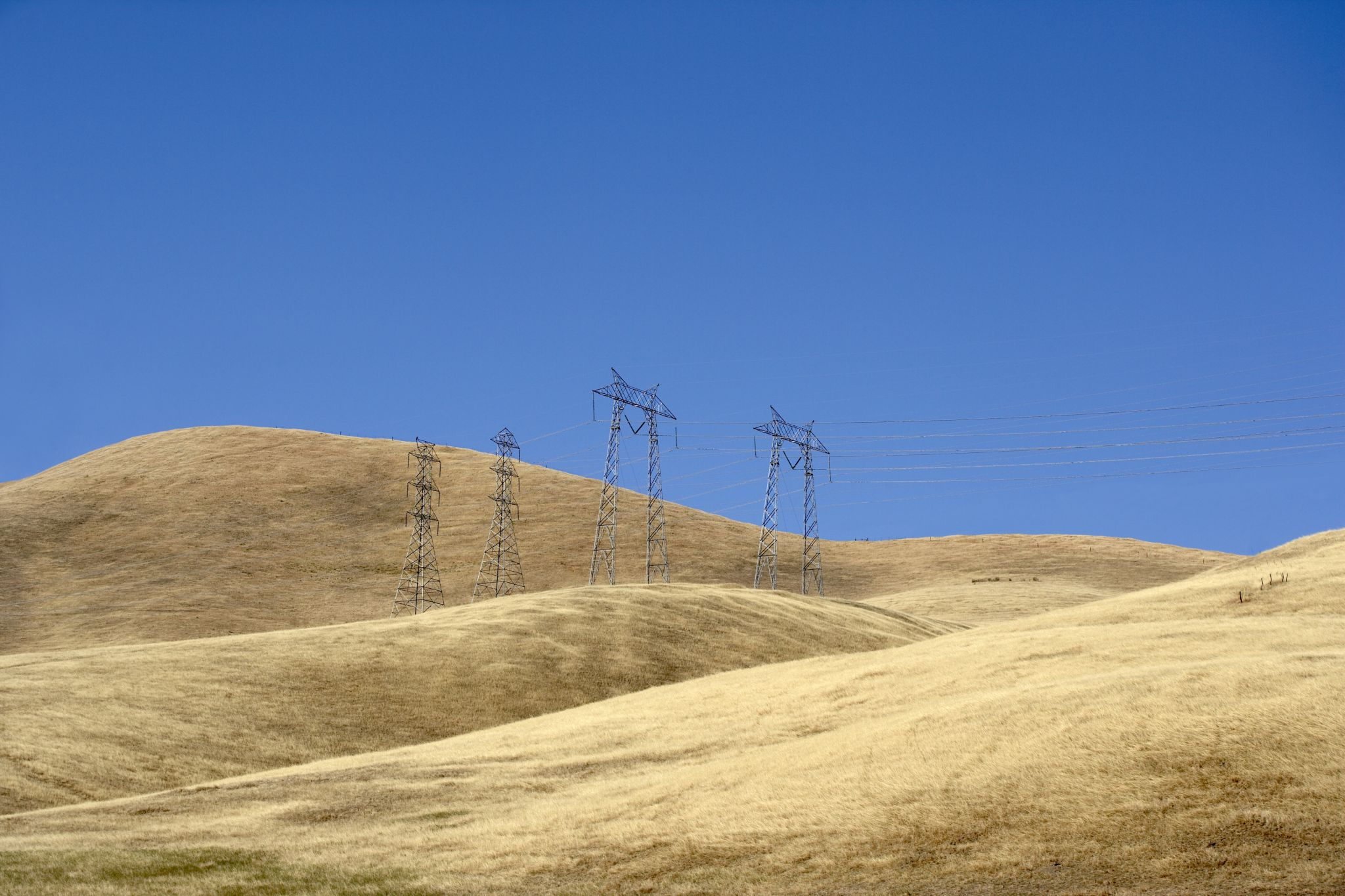 Berkeley encourages hills residents to leave area ahead of Sunday's wind event