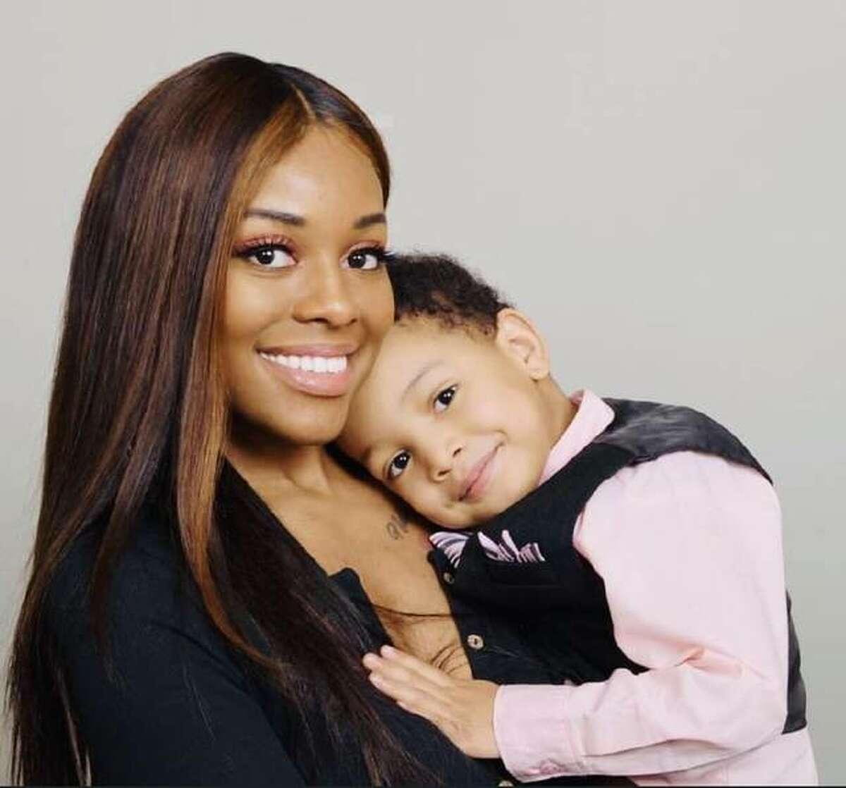 Kasia, single mom of Kayden