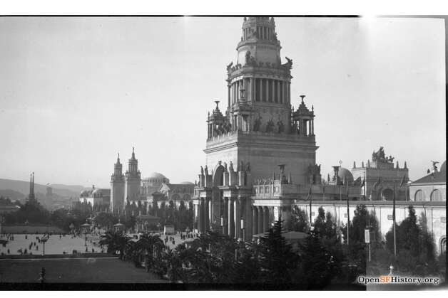 """The biggest attraction was the Tower of Jewels. It was covered in cut-glass """"jewels"""" that caught the sunlight in the day and were illuminated by spotlights at night. It wasn't built to last, however. Its wood and steel frame was covered in plaster and fibers, and the whole thing was demolished after the event ended. Photo: OpenSFHistory / Wnp14.12957.jpg"""