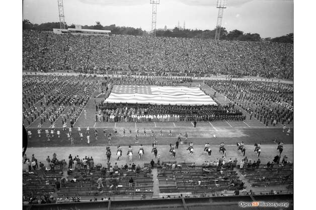 The East-West Shrine game at Kezar Stadium in San Francisco in January 1960. Photo: OpenSFHistory / Wnp14.6954.jpg