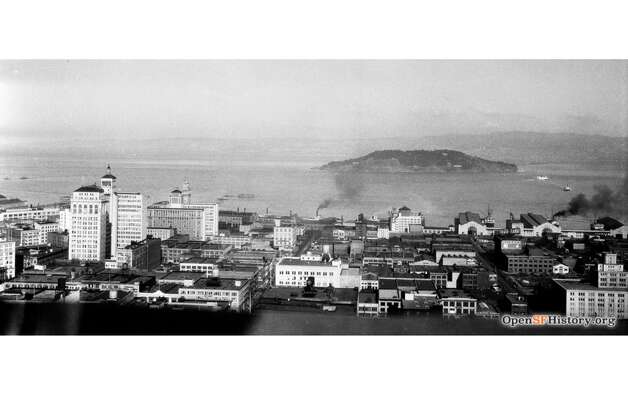 The vista from the top of the Telephone Building on New Montgomery near Mission shows San Francisco as it was in the 1930s. Photo: OpenSFHistory / Wnp14.12988.jpg