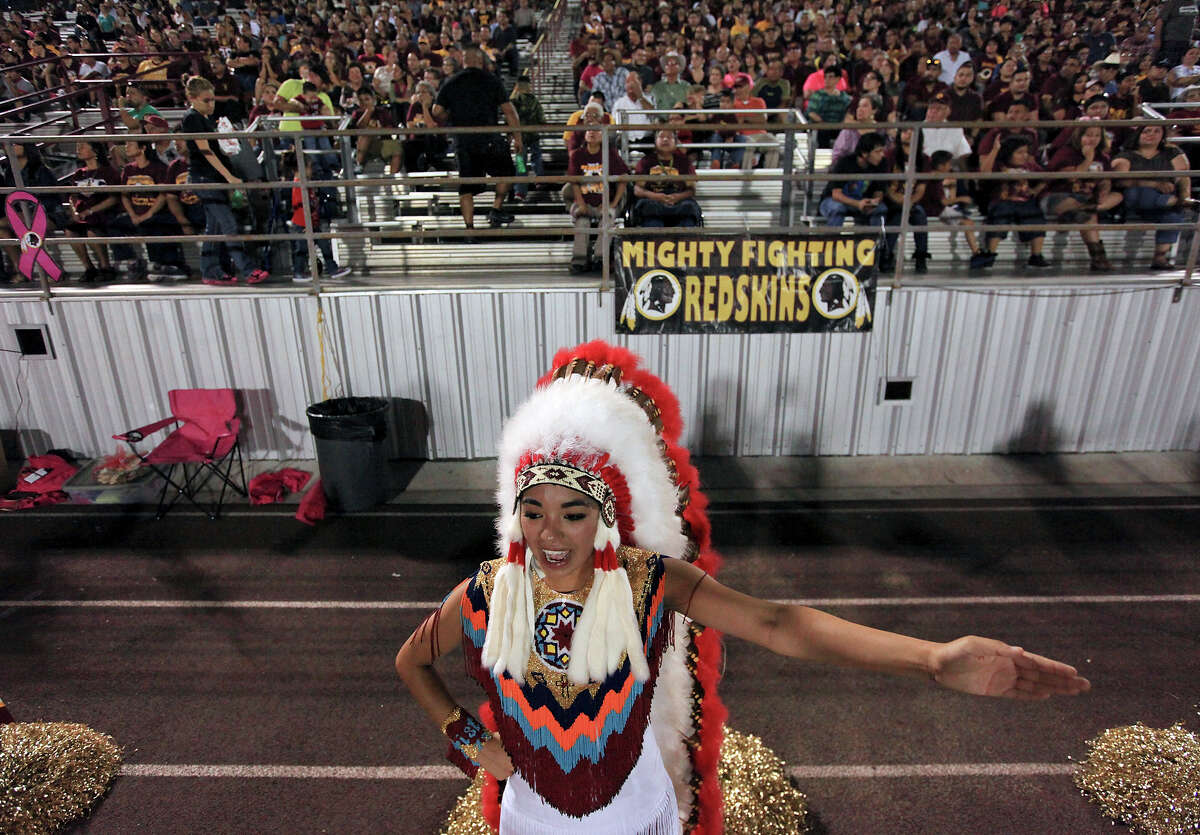 PHOTOS: Texas high schools who have changed their mascots and others being pressured to do the same A Donna High School cheerleader performs during a 2013 football game. The school, located near McAllen, insists it will not remove Redskins as the school's mascot. Browse through the photos above for a rundown of Texas high schools who already changed their mascot as well as other facing pressure to do the same ...