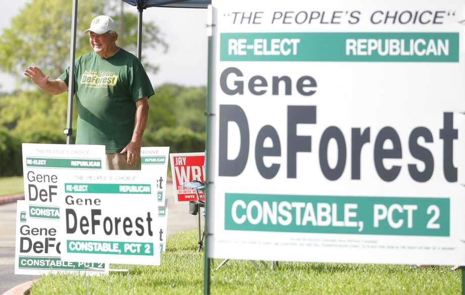 Incumbent Montgomery County Precinct 2 Constable Gene DeForest waves to voters. Photo: Jason Fochtman, Houston Chronicle / Staff Photographer / 2020 © Houston Chronicle