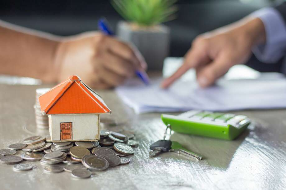 When it comes to selling your home, setting a price can seem overwhelming. You've made so many memories there and you've spent time and money maintaining and improving it. Setting the right price you are comfortable with and that buyers are willing to pay is a fine art, here are some tips for how to price it right. Photo: Mysanantonio.com
