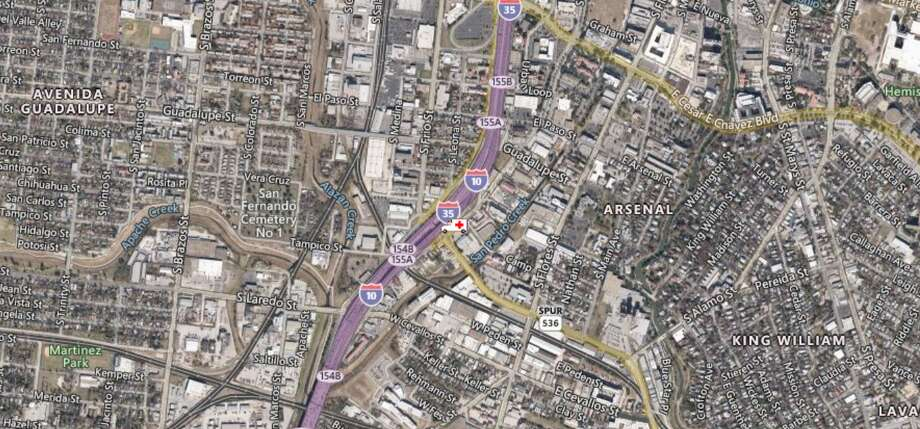 An oil spill on Interstate 35 has shut down an off-ramp in the downtown area as crews attempt to clean it up. The map shows the approximate location of the incident. Photo: TXDOT