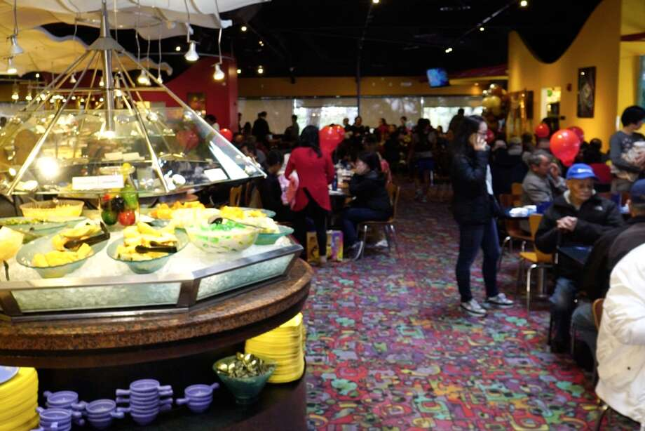 Clients dine inside Moonstar Buffet before the coronavirus pandemic forced it to cease operations. Moonstar Buffet was often the setting for red egg and ginger parties, known as traditional Chinese celebrations for 1-year-olds. Photo: Visual Street Films