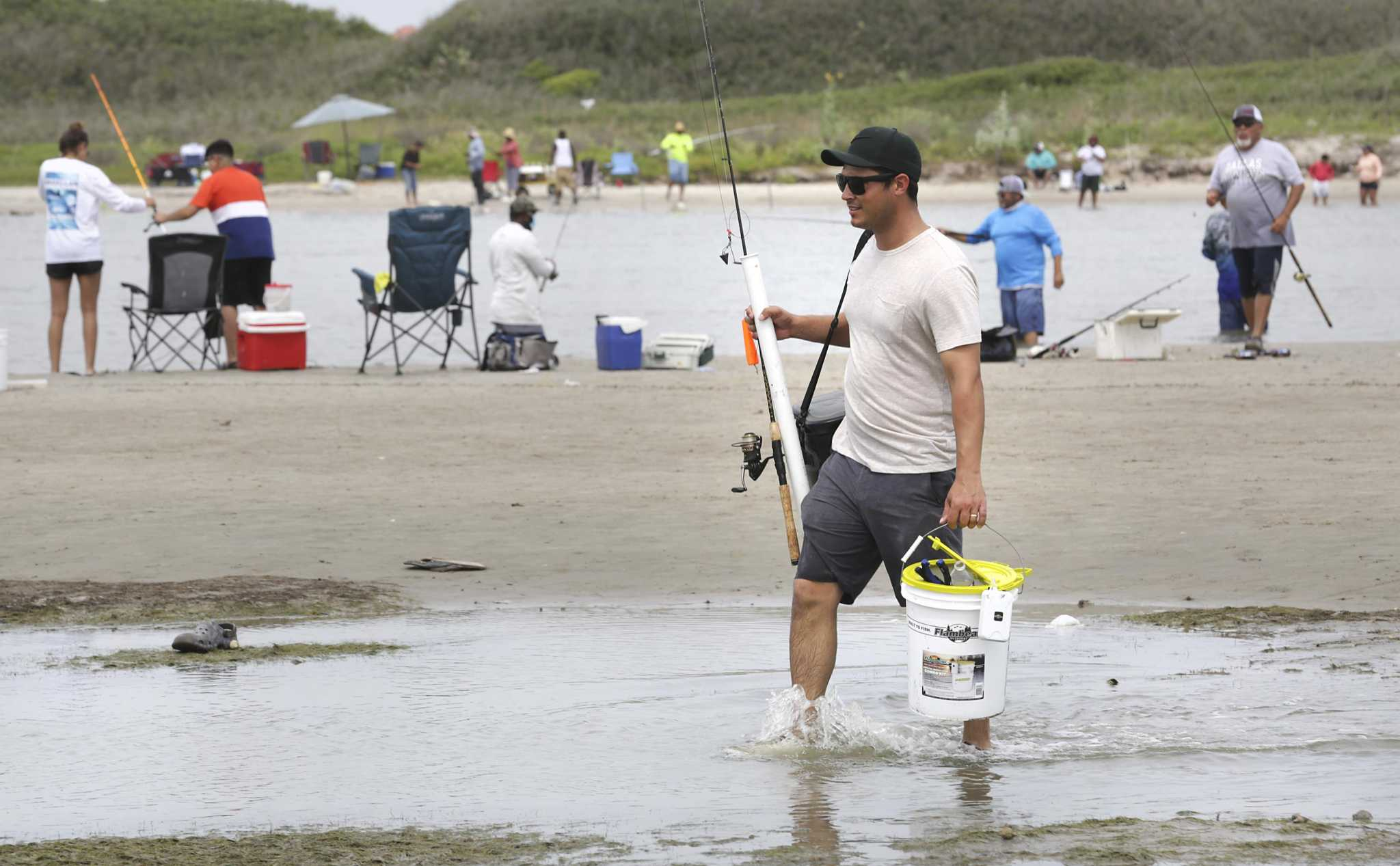 Popular Texas beaches see curfew, vehicle ban as COVID rapidly spreads