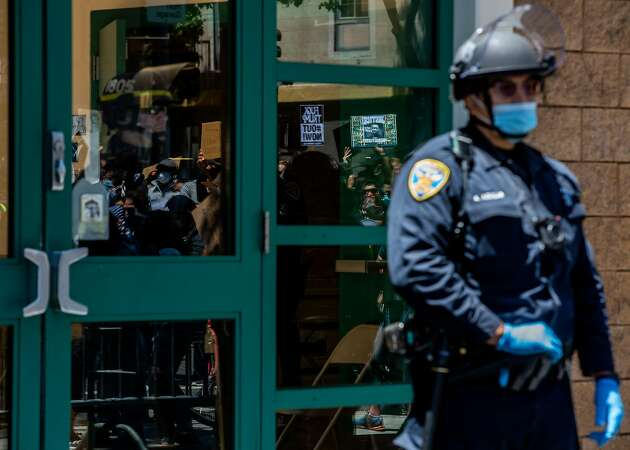 Editorial: S.F. should tap trained civilians, not cops, to handle routine calls