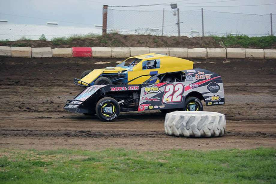 Drivers race around the track at Jacksonville Speedway. Photo: Journal-Courier