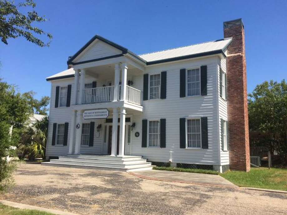 The Oaks of Montgomery Antiques and Consignments located at 202 Prairie St began its life as the family home of Judge Nathaniel Hart Davis in 1876. Now it houses antiques, collectibles and an auction house. / Internal