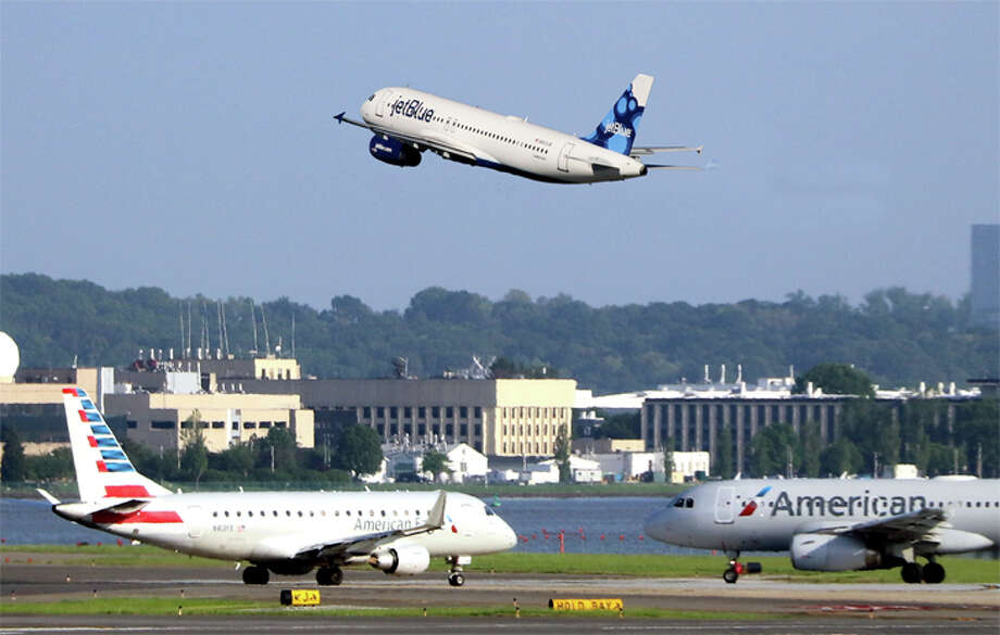 American and JetBlue are creating a new alliance and code-sharing in the northeastern U.S. Photo: Jim Glab