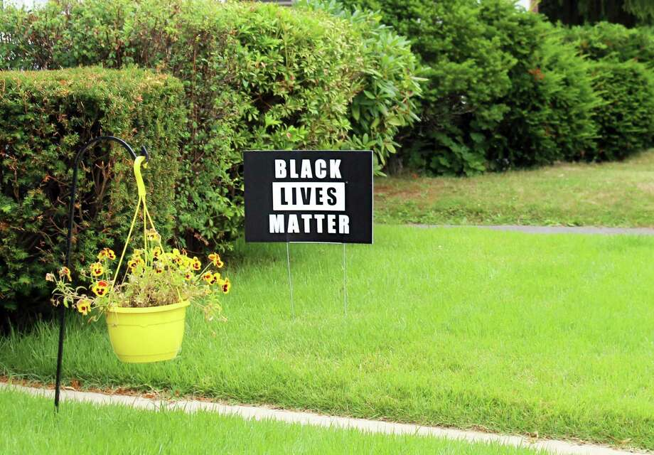 A Black Lives Matter sign is shown in Middletown. Photo: Cassandra Day / Hearst Connecticut Media