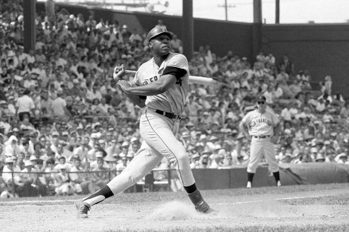 CINCINNATI, OH - 1960's: Firstbaseman Willie McCovey #44 of the San Francisco Giants swings at a pitch during a game in the 1960's against the Cincinnati Reds at Crosley Field in Cincinnati, Ohio. Willie McCovey0010 1960 Diamond Images