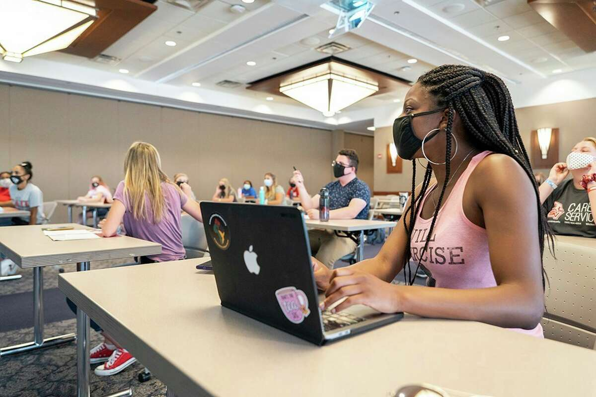Student leaders with SVSU's orientation office as well as incoming freshmen congregate on campus during an orientation event July 14, 2020. (Photo provided/Michael Randolph, SVSU)