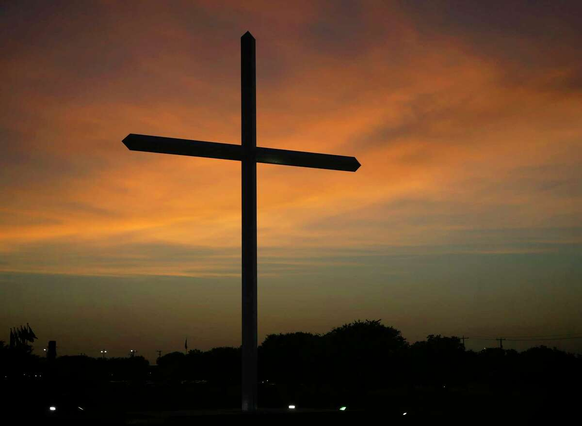 Mission Park Funeral Chapels has erected a large cross to remember those who have died during the coronavirus pandemic.