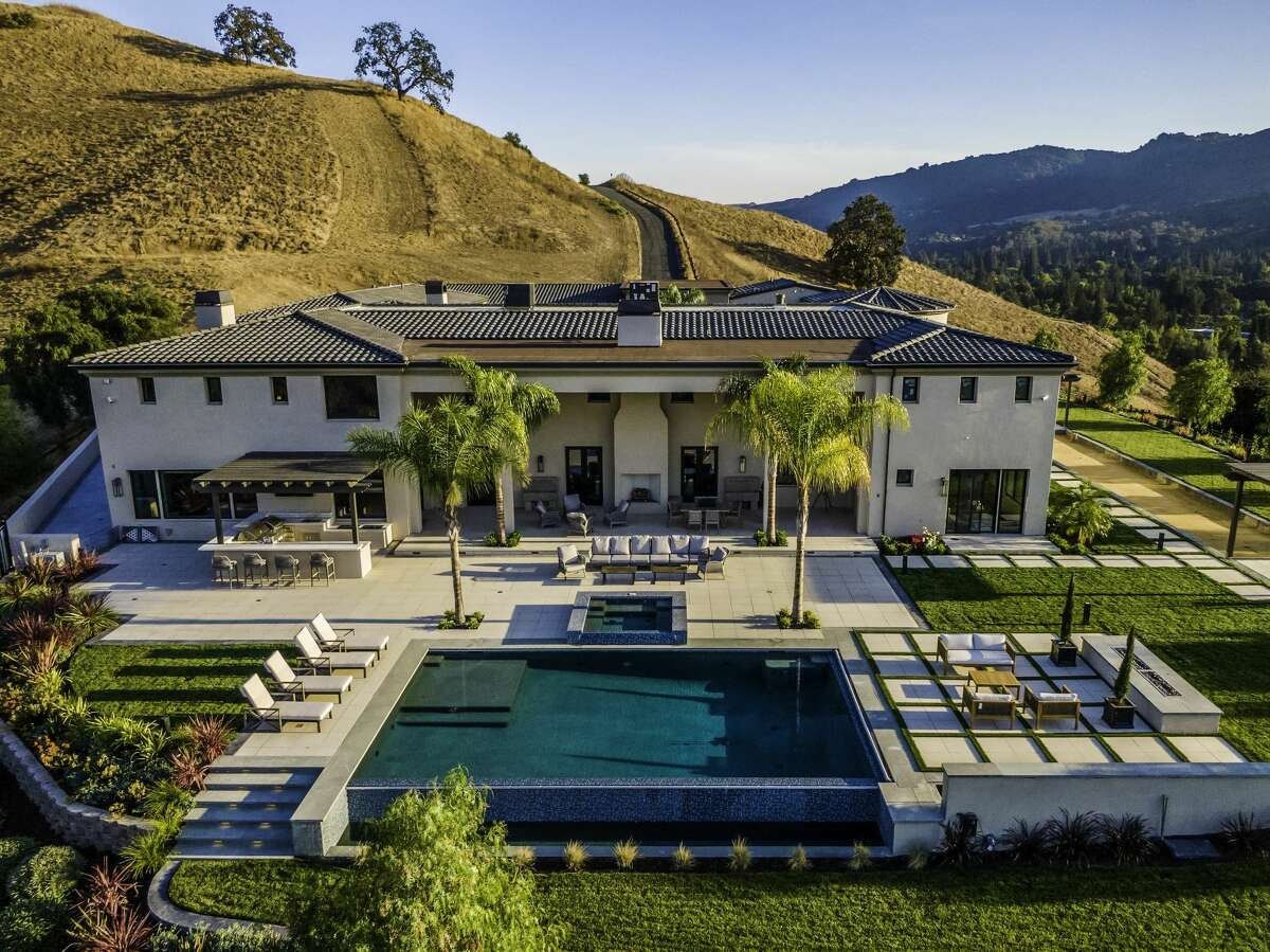 Villa Montecito is almost like a village unto itself, over 5 acres, set privately in an East Bay valley.