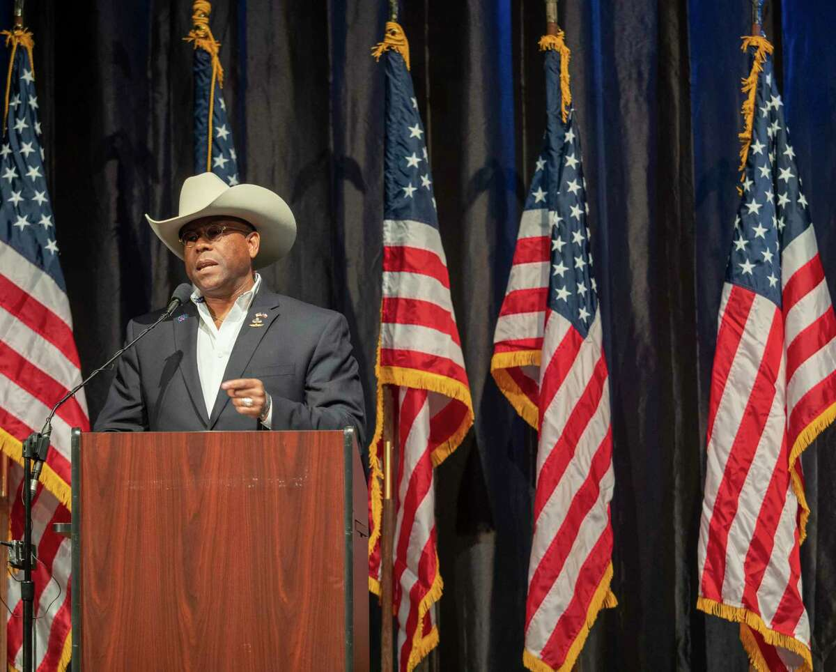LtC Allen West speaks 11/21/19 evening at the 16th annual Show of Support Hunt for Heroes banquet. Tim Fischer/Reporter-Telegram