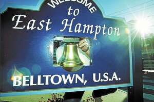 East Hampton town sign