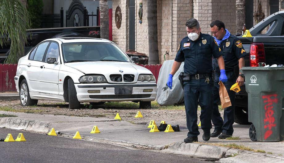 Laredo Police investigate the scene of a shooting that occurred early Sunday, Jul 19, 2020, at the 3100 block of San Ignacio Avenue. Photo: Danny Zaragoza/Laredo Morning Times
