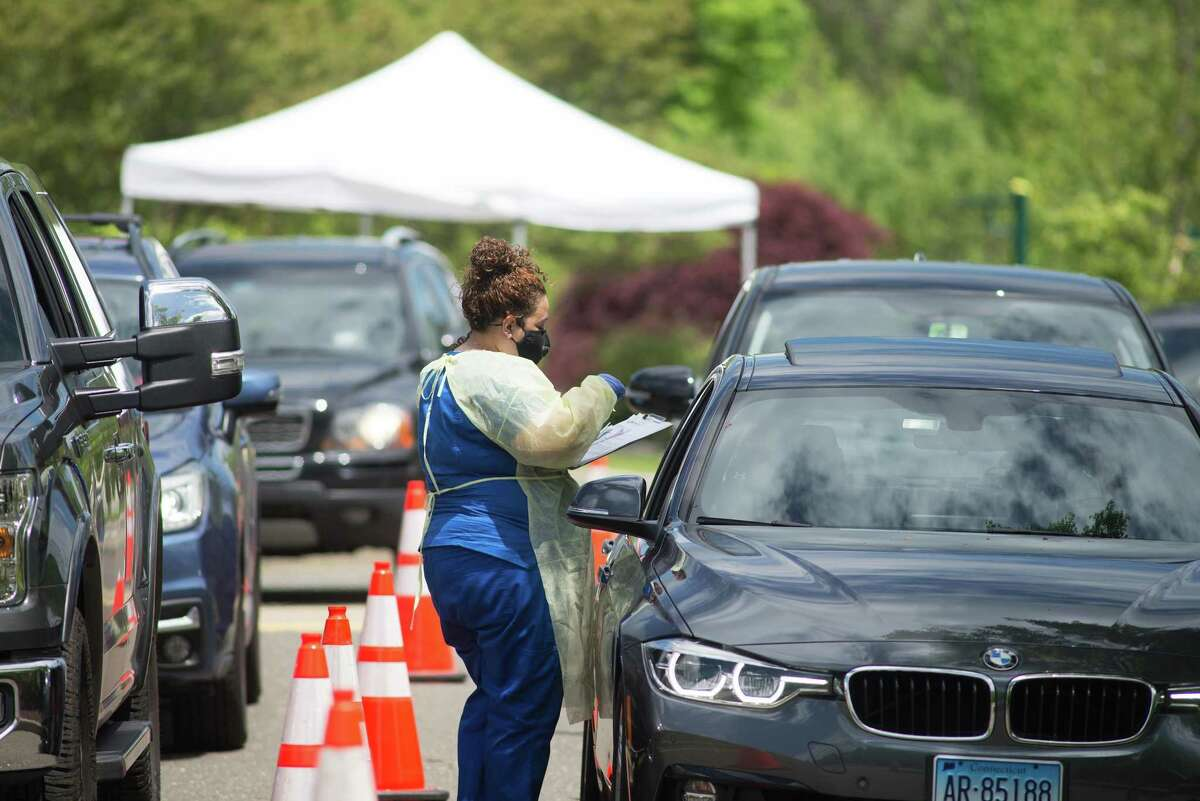Previous town-wide COVID-19 testing opportunities the town sponsored drew many cars and people to the Recreation Center. This Saturday, July 25, testing will be done at Scotts Ridge Middle School from 11 to 3. Preregistration is recommended.
