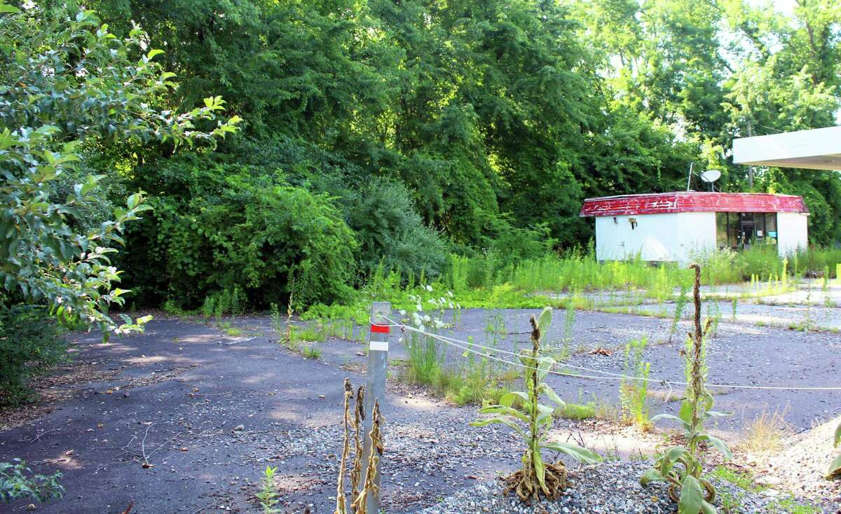A Cromwell official and several dozen residents are objecting to a planning and zoning change that paves the way for billboards being erected at 241/251 Main St. in full view of Route 9. Shown here is the former Citgo station property which abuts the proposed area.