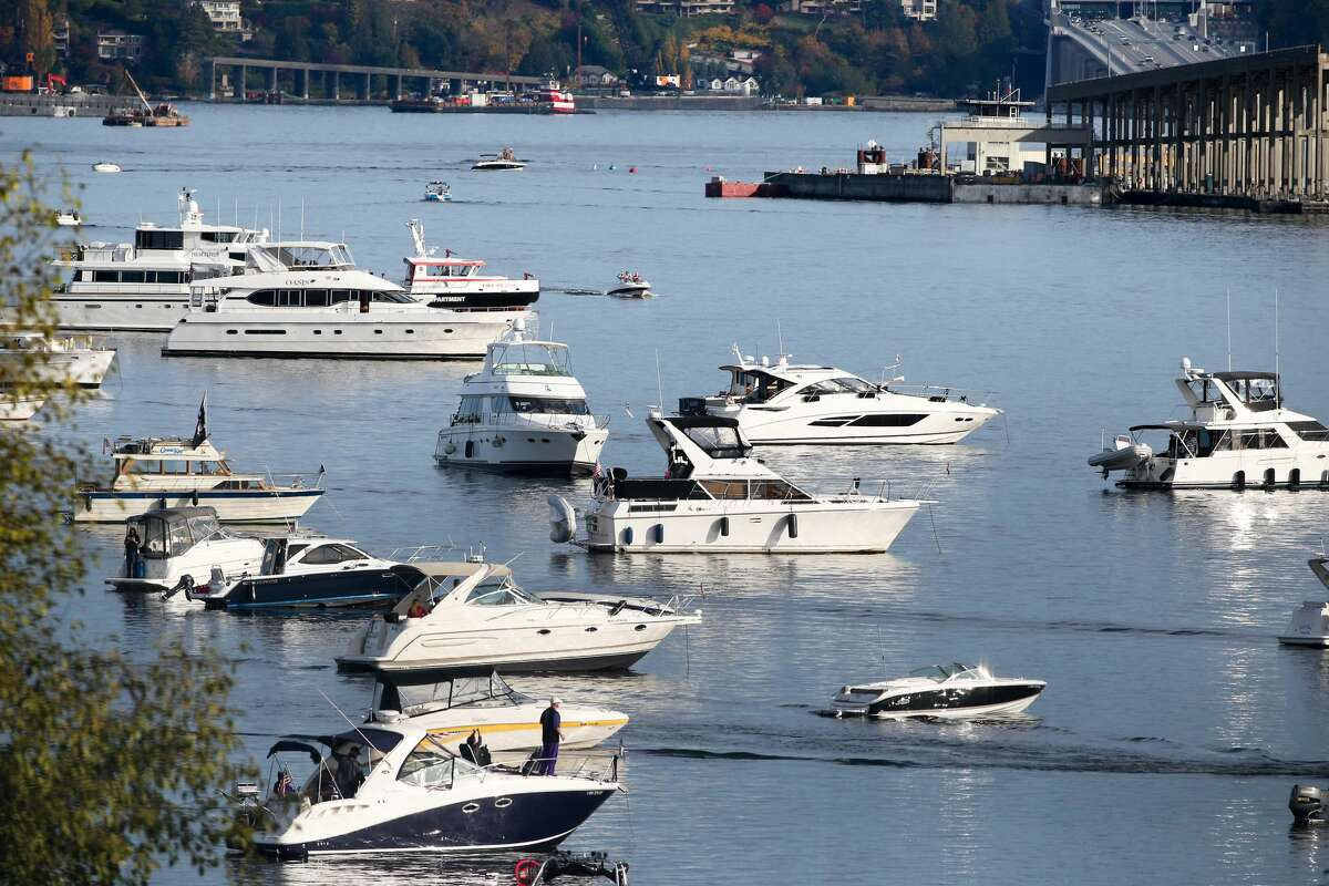 22 October 2016: Washington fans enjoyed time in there boats on Lake Washington before the game. Washington defeated Oregon State 41-17 at the University of Washington in Seattle, WA. (Photo by Jesse Beals/Icon Sportswire via Getty Images)