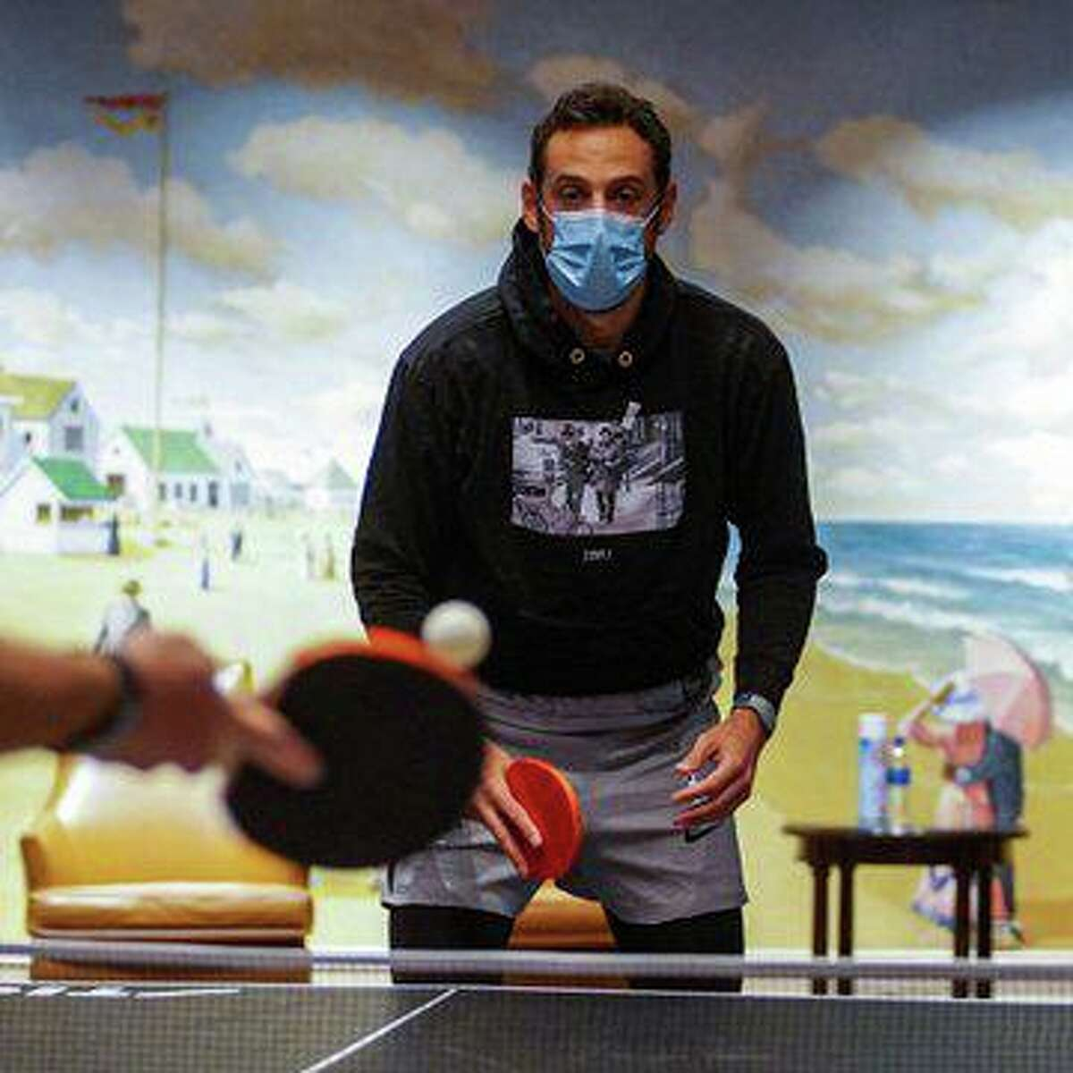 Marco Belinelli plays ping pong with Spurs in Orlando