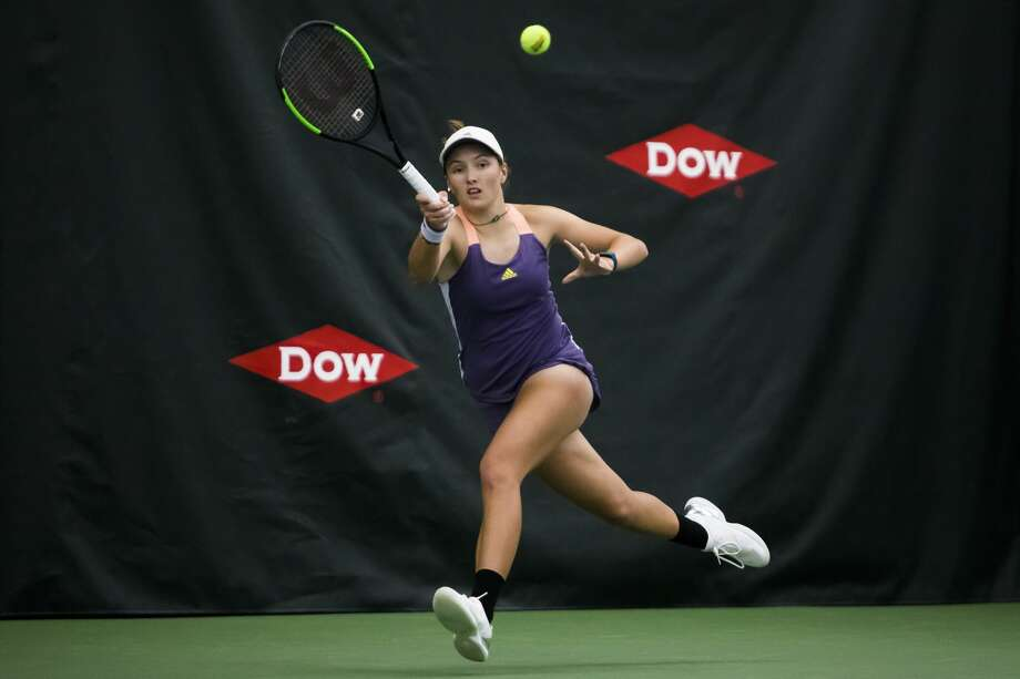Midland's Ellie Coleman competes against Belgium's Yanina Wickmayer at the 2020 Dow Tennis Classic. Photo: Daily News File Photo