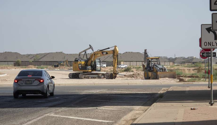 Work continues 07/16/2020 with the expansion of Lamesa Road north of Loop 250. Tim Fischer/Reporter-Telegram Photo: Tim Fischer/Midland Reporter-Telegram