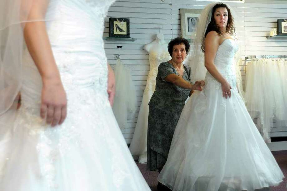Salon takes vows seriously in dressing brides - StamfordAdvocate