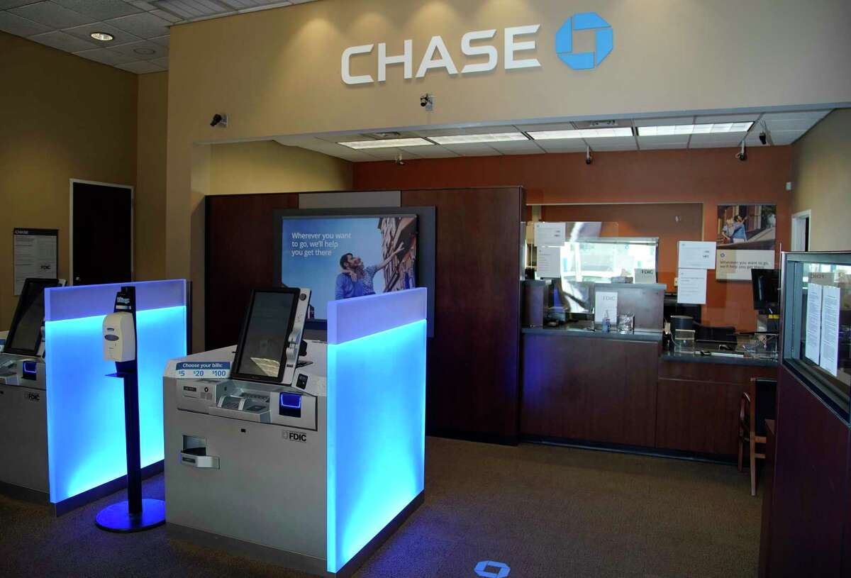 Chase, 5020 San Felipe St., is shown Wednesday, June 17, 2020, in Houston. JPMorgan Chase is the dominant bank in the Houston metro area in the latest Chron100.
