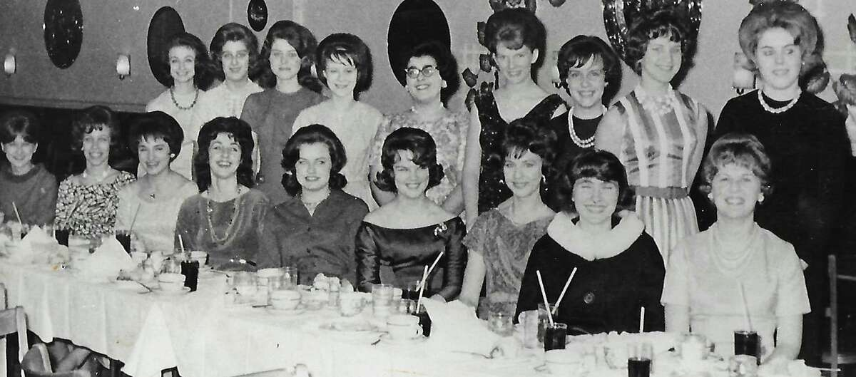 The 1962 Shelton High School girl's basketball team was the very first interscholastic girls' athletic team both in Shelton and in the greater Naugatuck Valley