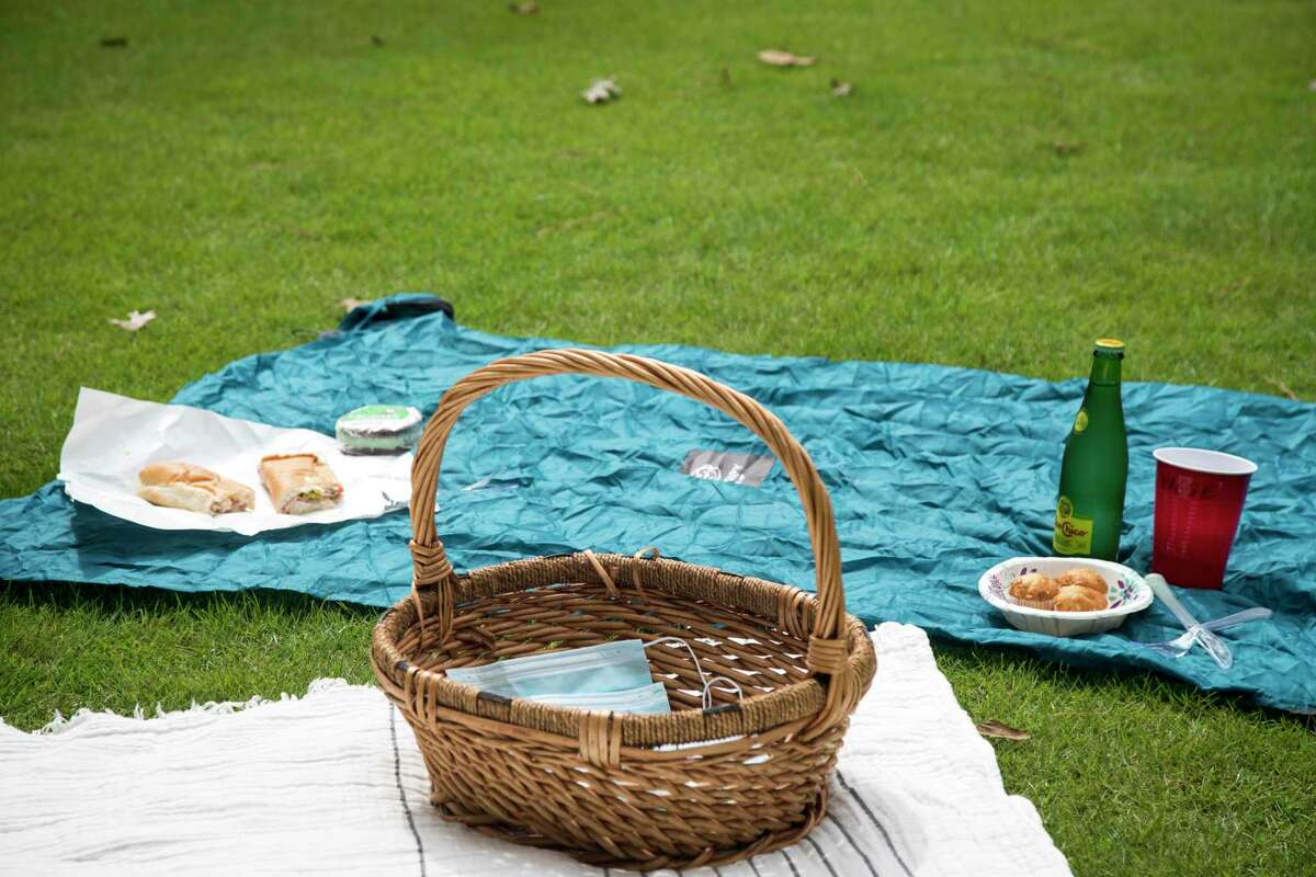 There will be a community picnic to celebrate Highland Farm's soft opening.