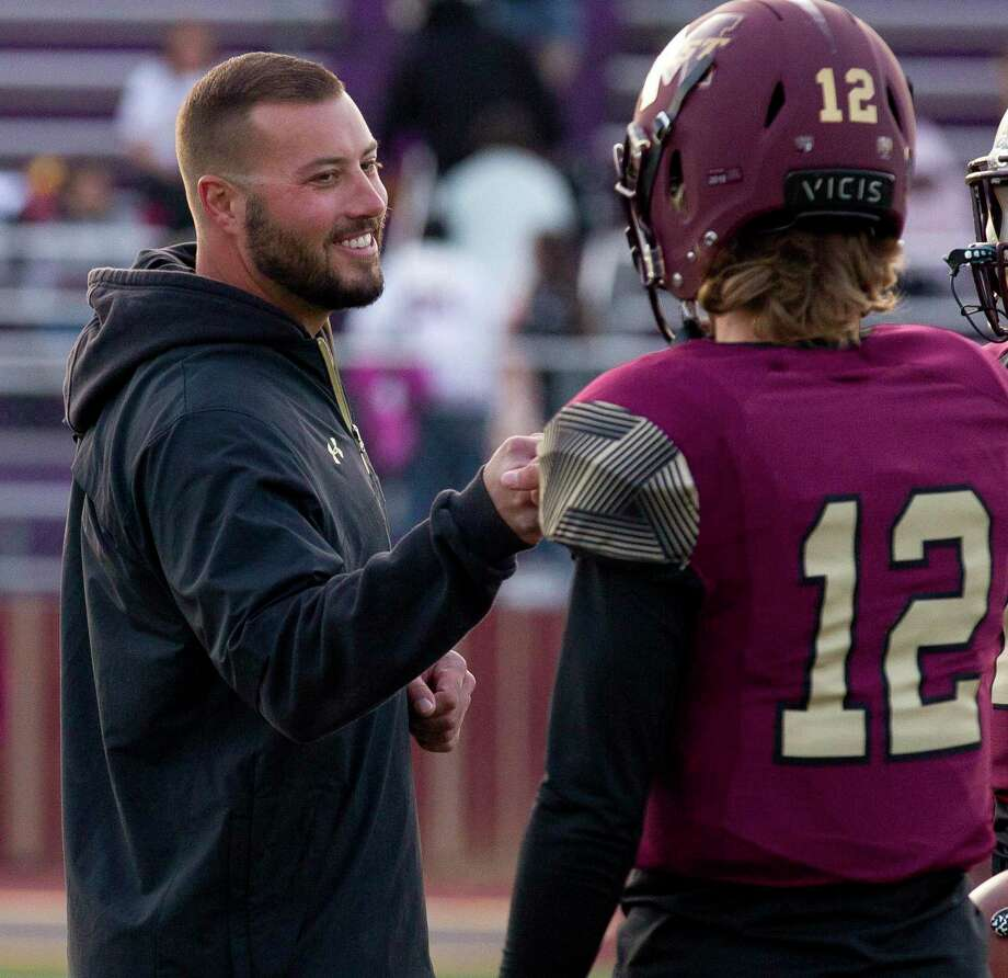 Magnolia West head coach Blake Joseph, shown here in 2019 with quarterback Brock Dalton, is leaving the school after five total seasons. He will join the coaching staff at North Texas. Photo: Jason Fochtman, Houston Chronicle / Staff Photographer / Houston Chronicle