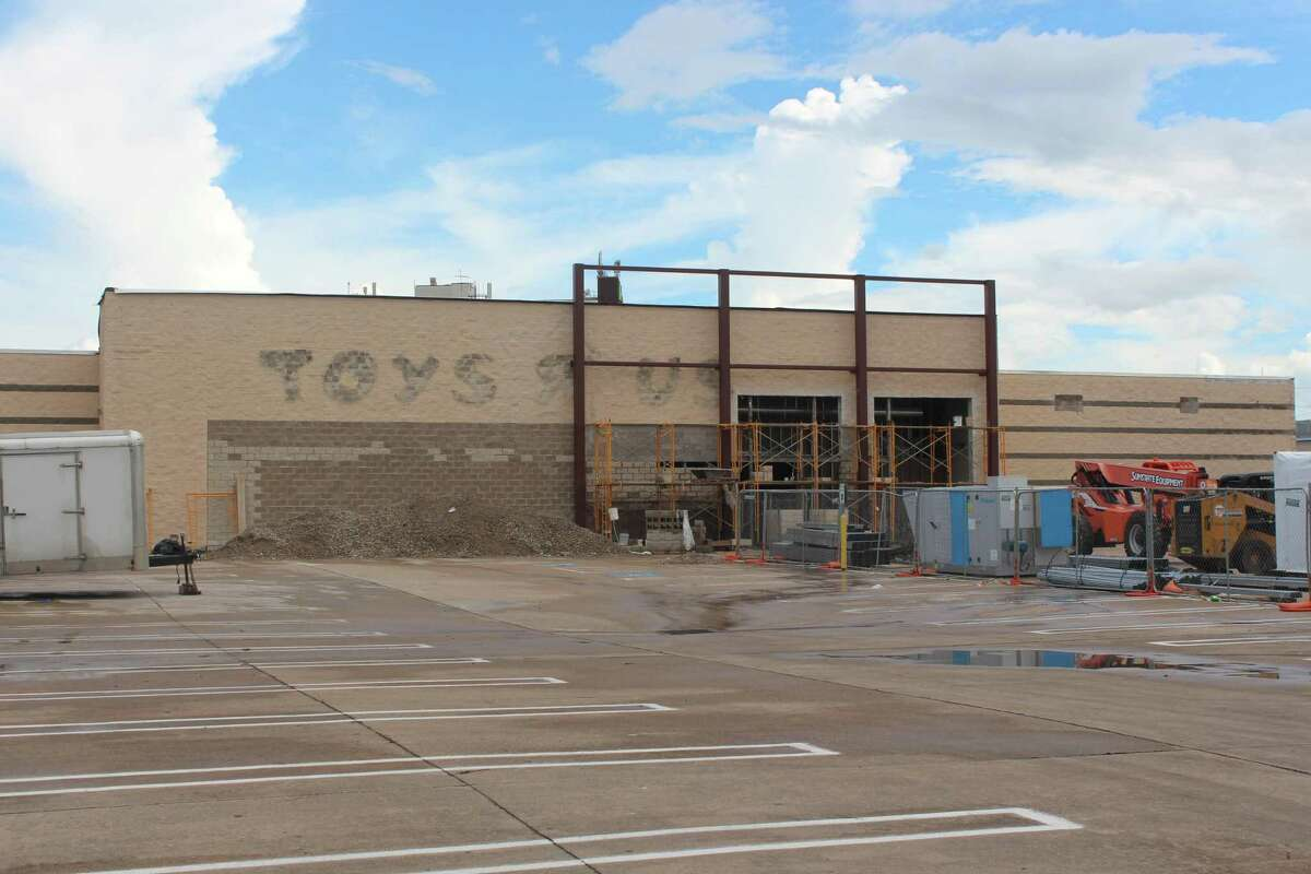 The site of a former Toys R Us is now going to be Houston's newest Sprouts location.