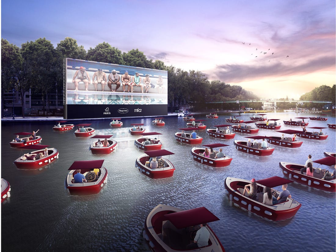 Movies On A Boat Floating Cinema With Social Distancing Sets Sail In Houston Houston Chronicle