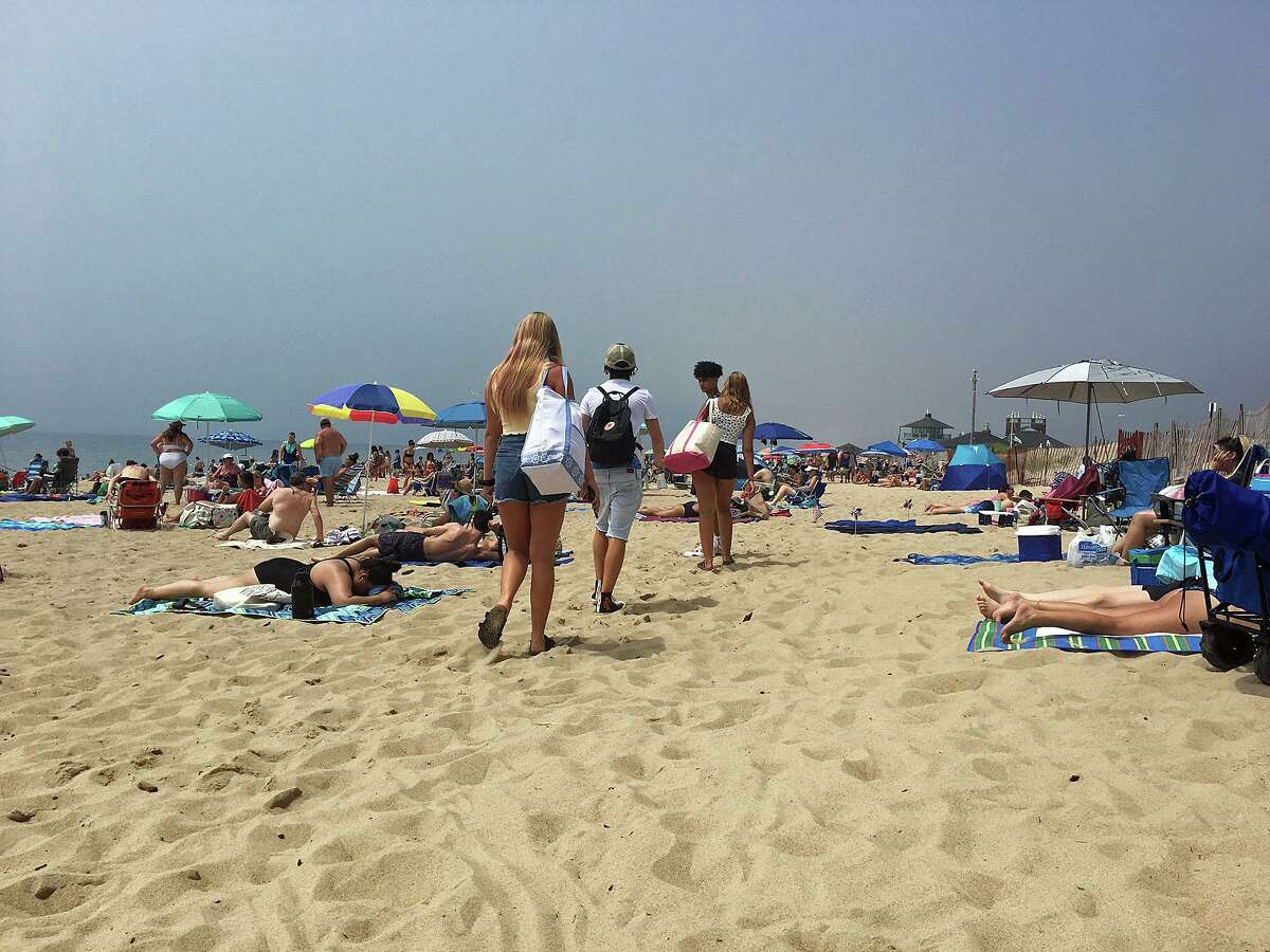Misquamicut State Park in Rhode Island had a large crowd on Thursday, July 9, 2020. Since then, Rhode Island officials have asked Connecticut and Massachusetts to visit their beaches. A 75 percent parking restrictions at Misquamicut means that there are only 675 available spaces out of a total of 2,700.