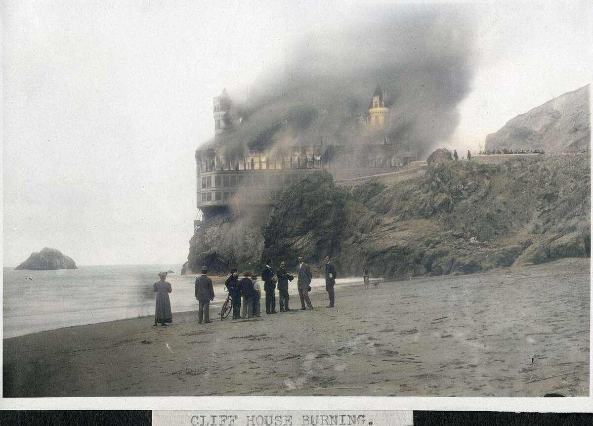 The fire at the Cliff House on Sept. 7, 1907.