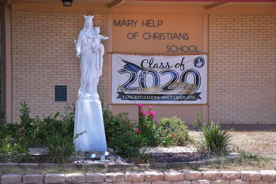 Escuela Católica Mary Help of Christians Catholic School. Photo: Cuate Santos /Laredo Morning Times / Laredo Morning Times