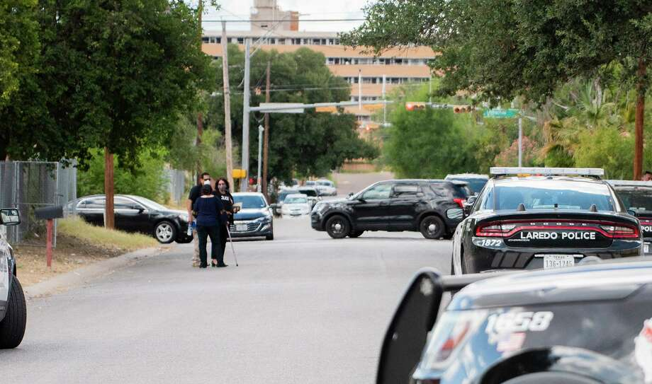A standoff ended peacefully after Laredo police responded to a distress call Thursday on the 900 block of Tilden Avenue. Photo: Danny Zaragoza /Laredo Morning Times
