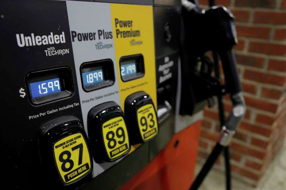 Gasoline prices are falling. Photo: Julio Cortez, Associated Press / Copyright 2020 The Associated Press. All rights reserved.
