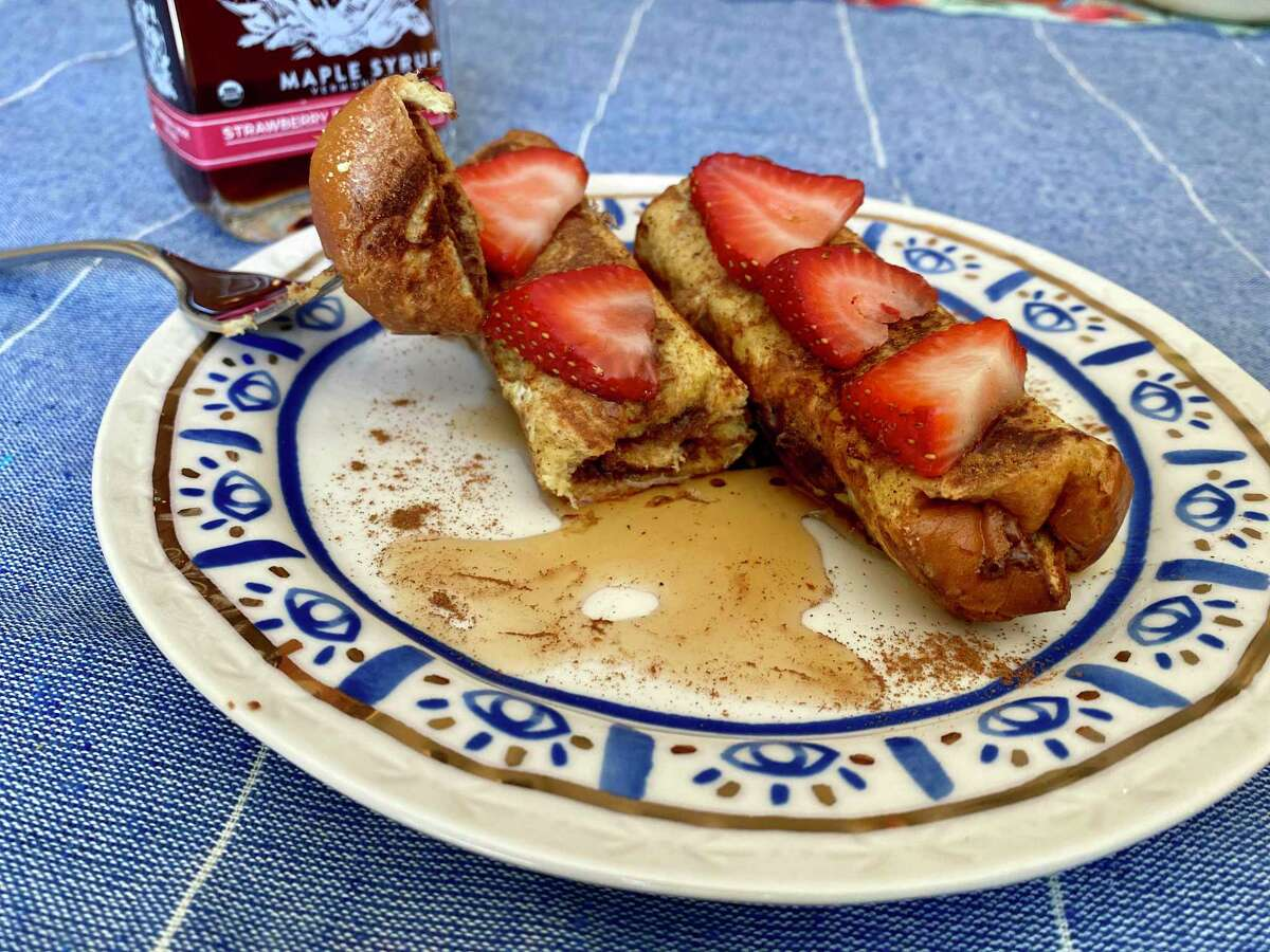 Nutella French Toast makes for a lovely breakfast or dessert.
