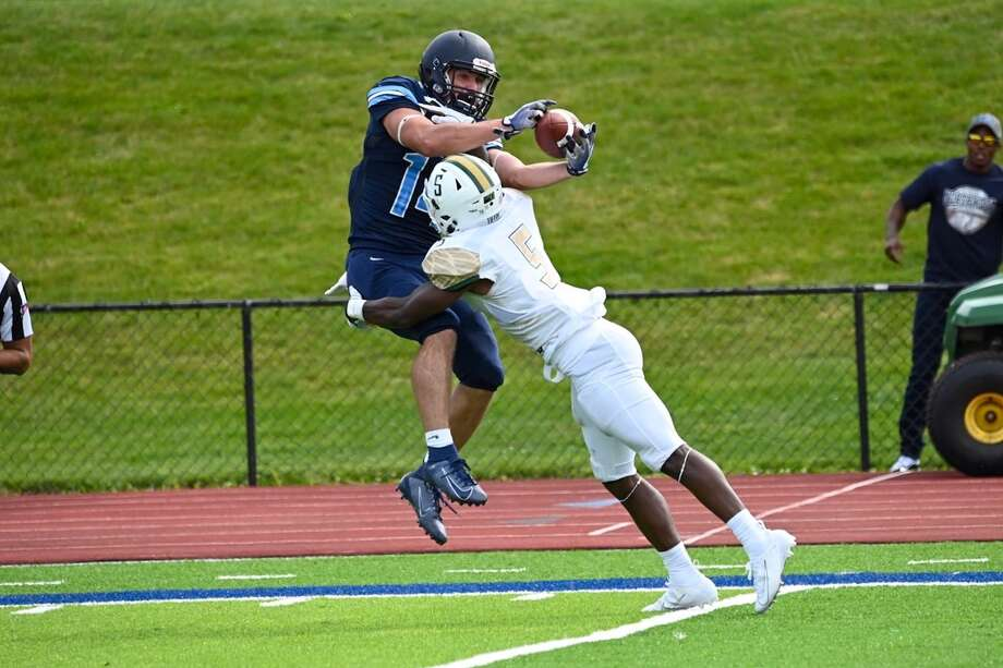 Northwood's Bryant Kieft makes a spectacular touchdown reception during a Sept. 7, 2019 game against Tiffin. Photo: Timberwolves.gonorthwood.com